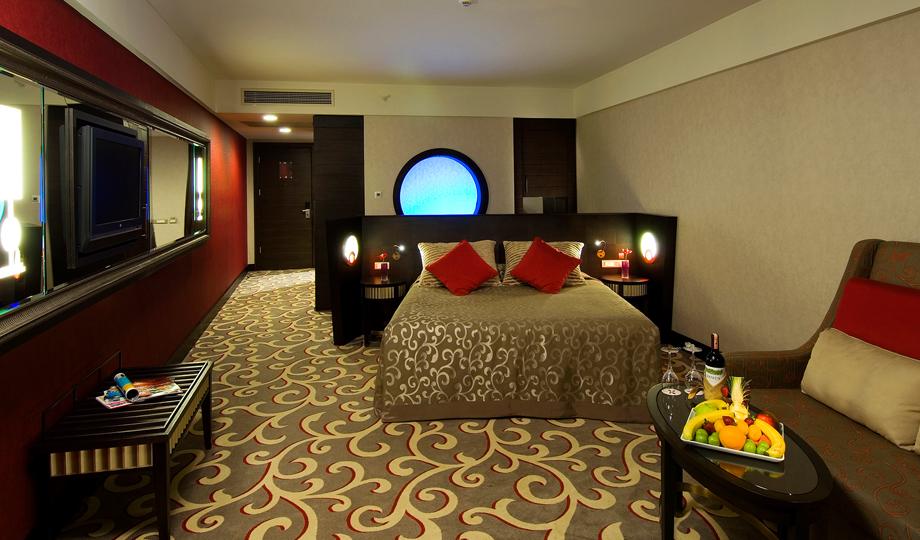 Cornelia_Diamond_Rooms_1