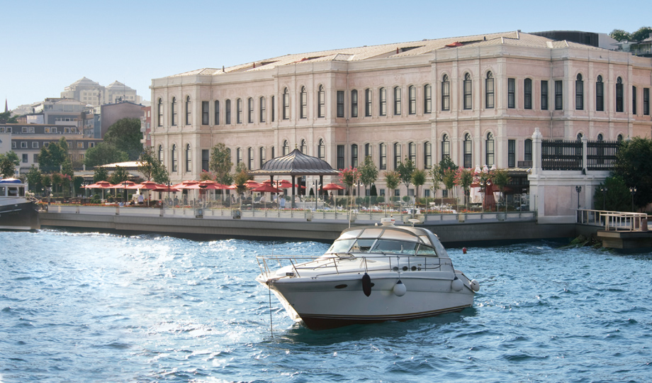 Fourseason_Bosphorus_Overview_1