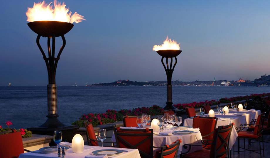 Fourseason_Bosphorus_Restaurant_2