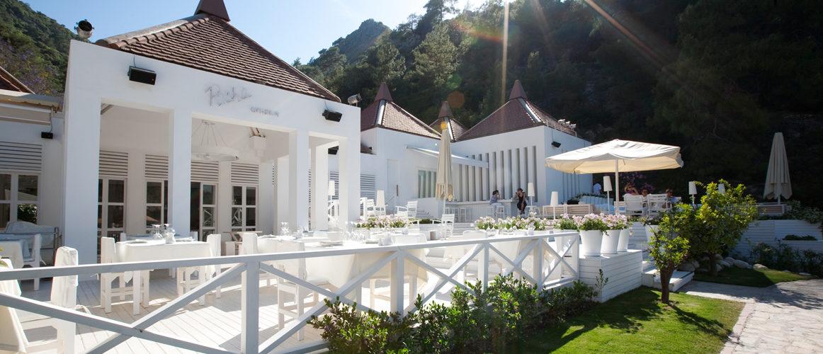 hillside_beach_restaurant